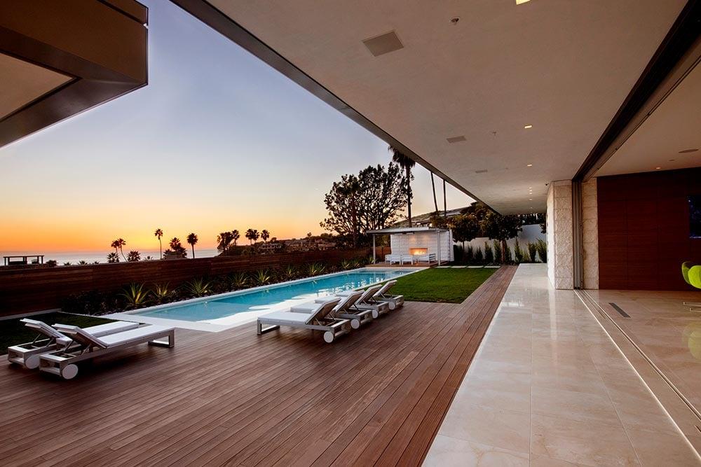 modern-beach-house-irvine-cove