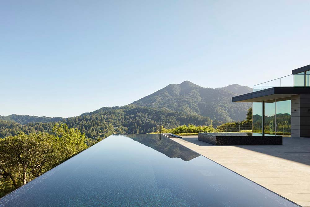 EYRC Architects Spring Road Residence Infinity Pool