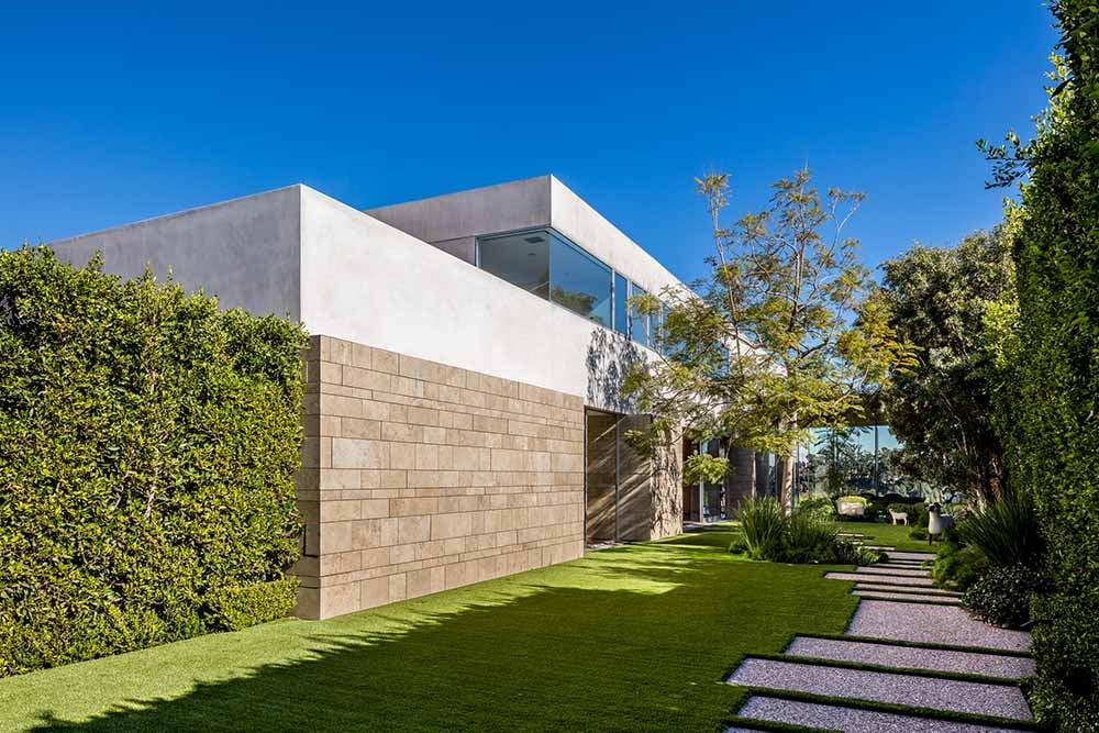 modern-beach-house-exterior-stone
