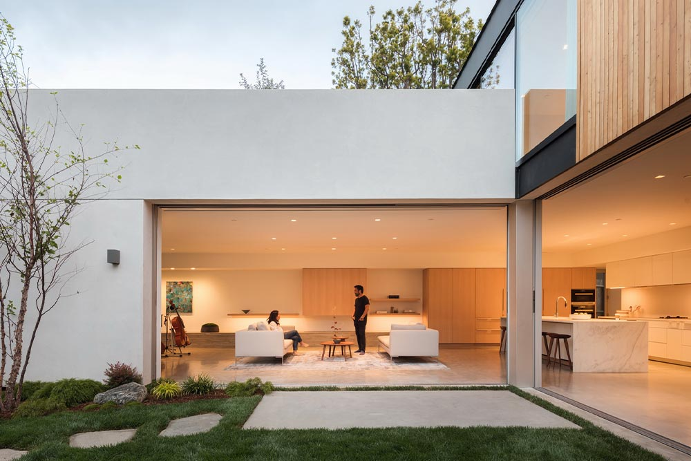 eyrc-19th-street-residence-backyard