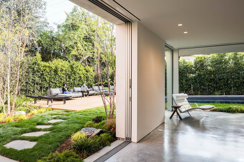 eyrc-19th-street-residence-landscape-for-privacy