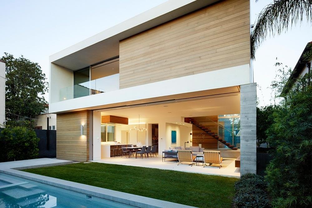 eyrc-crescent-drive-home-backyard-swimming-pool