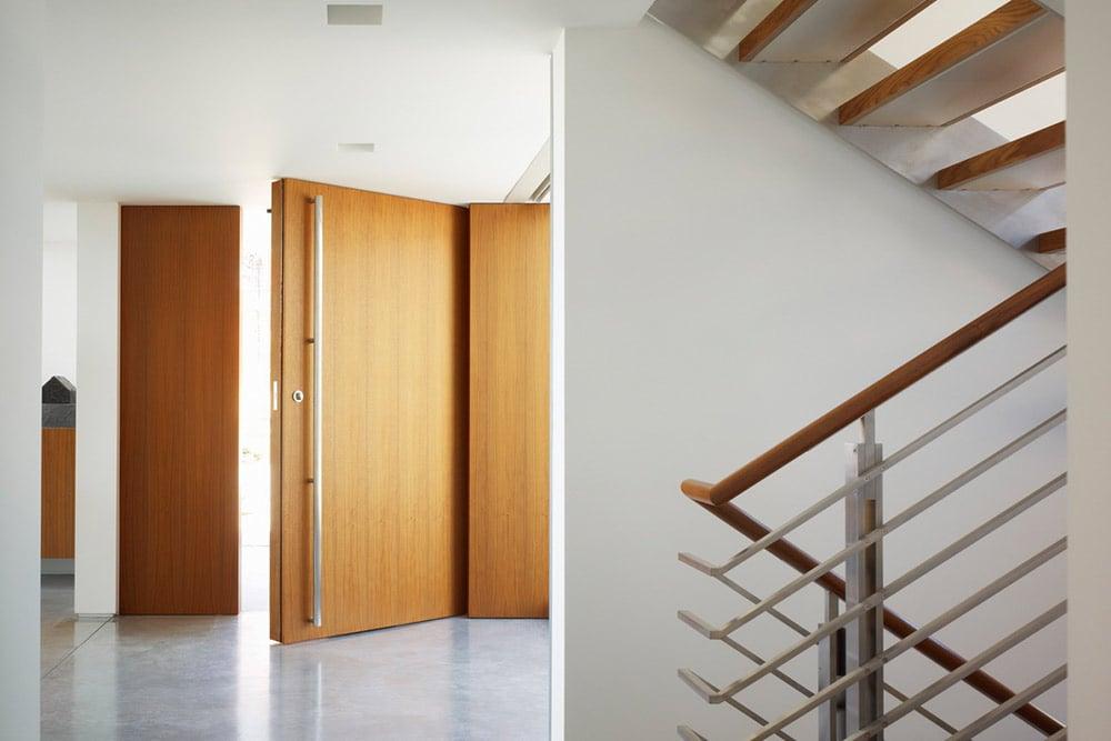 Modern-beach-house-interior-concrete-floors