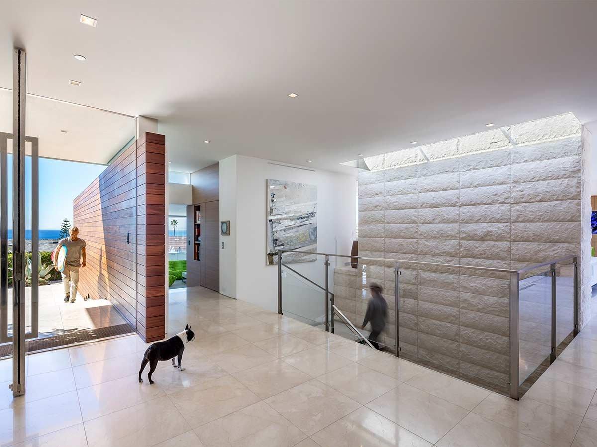 Modern-beach-house-interior-design