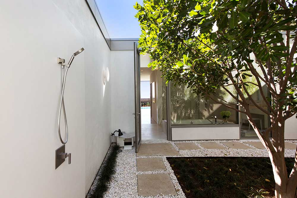 Modern-beach-house-outdoor-shower