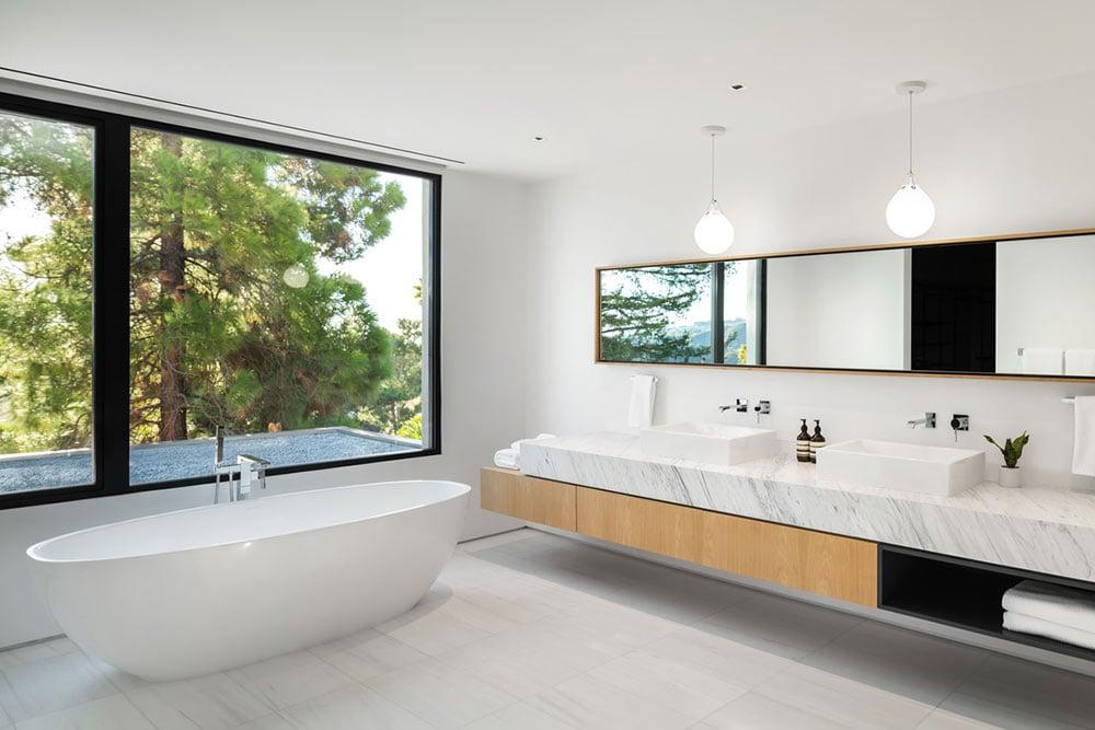 modern-spa-bathroom-ideas-diffuse-light-eyrc-stradella