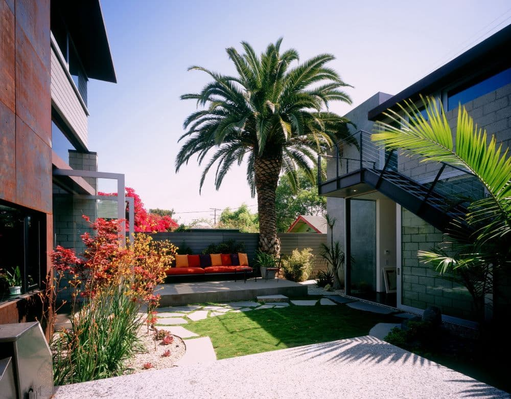 EYRC Architects 700 Palms interior courtyard