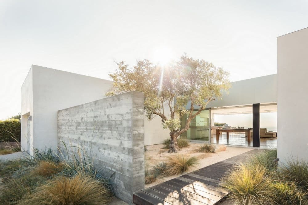 EYRC Architects Blue Sail Residence Courtyard