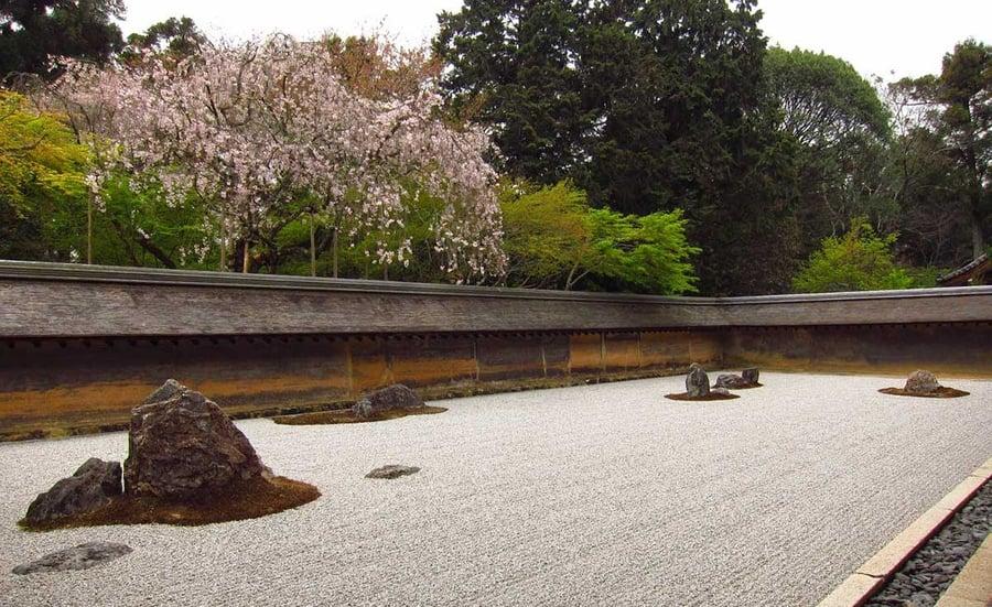 EYRC_Japanese-Inspiration_Contemplative-Courtyards