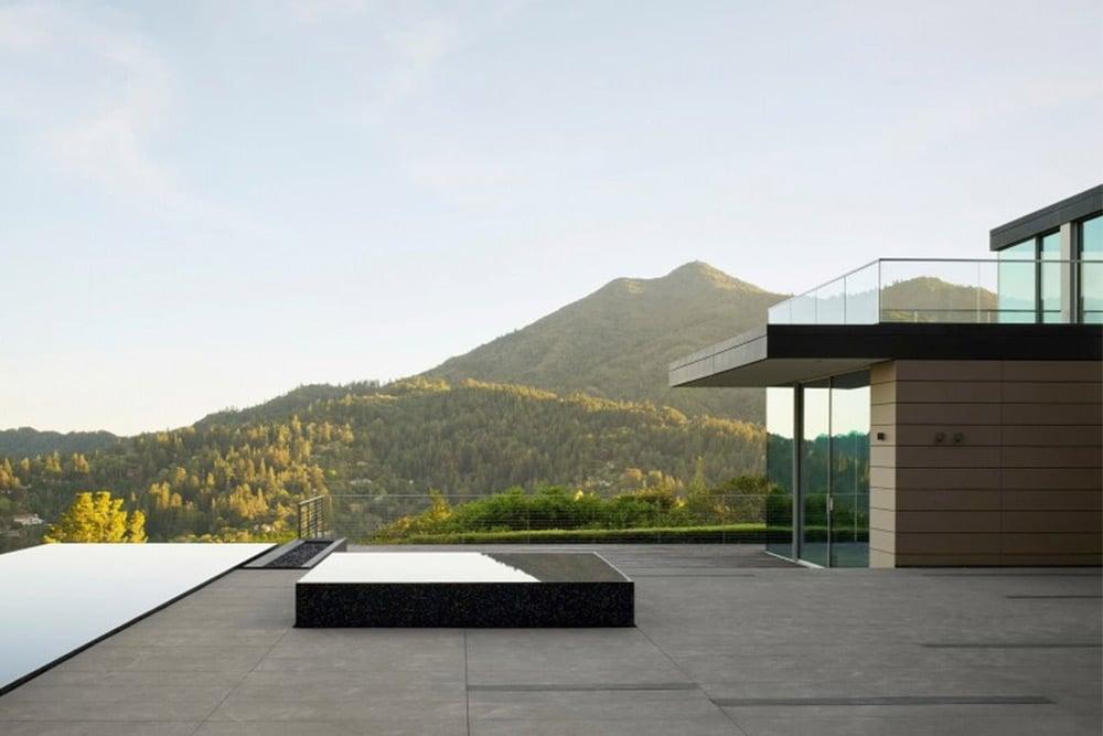 Spring-road-flat-roof-modern-design